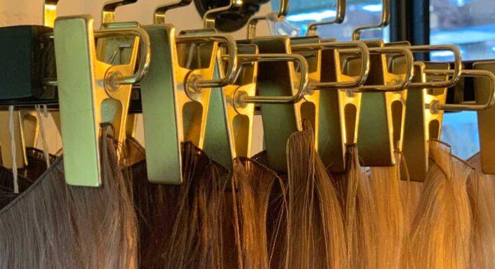 Hoe was je het beste je hair extensions, tips op een rij.